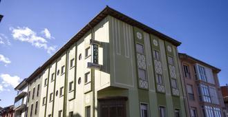 蒙特貝爾德酒店 - 坎加斯德奧尼斯 - 坎加斯-德奧尼斯 - 建築