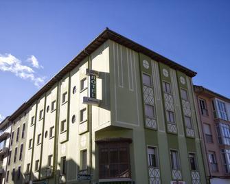 Pension Monteverde - Cangas de Onís - Byggnad