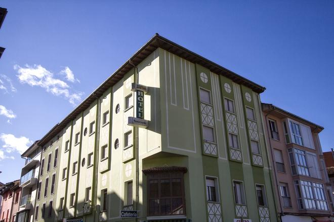 Pension Monteverde - Cangas de Onís - Building