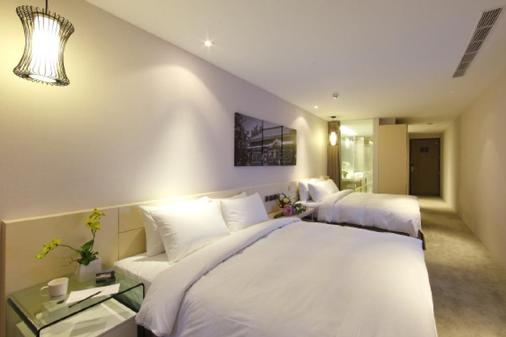 Hotel Day Plus - Chiayi City - Bedroom
