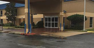 Executive Inn and Suites - Baker