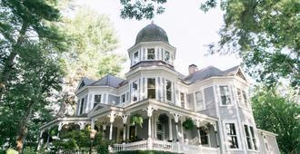 Biltmore Village Inn Bed and Breakfast - Asheville - Rakennus
