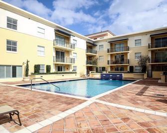 Pelicanstay In Coral Gables Miami - Корал-Ґейблз - Pool