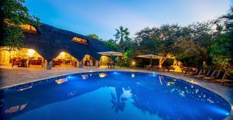Bayete Guest Lodge - Victoria Falls