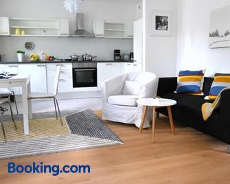 Ferienwohnung auf der Insel - Werder - Living room