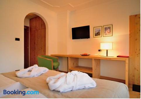Hotel Brunnerhof - Rasun di Sopra - Schlafzimmer