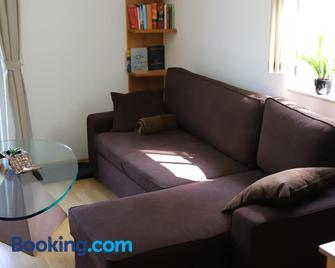 Ferienwohnung Lucia - Bad Schlema - Living room