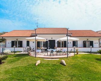 Hotel Villa Maredona - Ascea - Gebouw