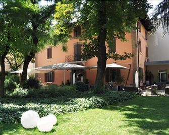 Hotel Due Pini - Formigine - Gebäude