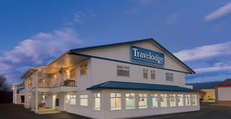 Travelodge by Wyndham Salmon Arm - Salmon Arm - Edificio