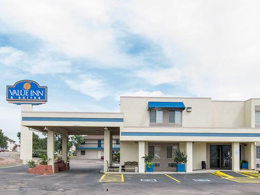 Travelodge by Wyndham Colorado Springs/Hwy 24 E - Colorado Springs - Building