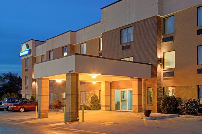 聖路易斯市區戴斯酒店 - 聖路易 - 聖路易斯 - 建築