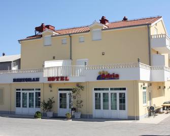 Hotel Adria - Kastela - Edificio
