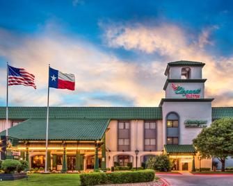MCM Elegante Suites Abilene - Abilene - Building