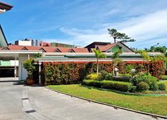 Hollywood Drive-In Hotel - Baguio - Building