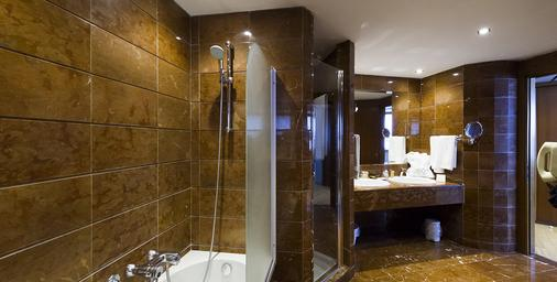 Fh Crystal Hotel - Trapani - Bathroom
