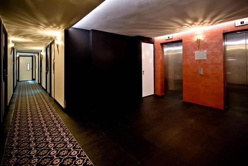 Venue Hotel - Singapore - Hallway