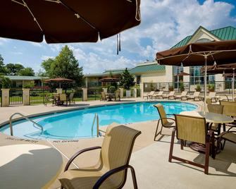 Best Western Plus The Inn at King Of Prussia - King of Prussia - Pool