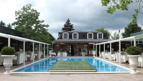 La Conac by Residence Hotels - Bucharest - Pool