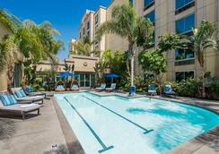 DoubleTree by Hilton Los Angeles Commerce - Commerce - Pool