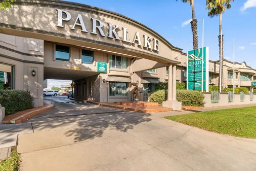 Quality Hotel Parklake Shepparton - Shepparton - Rakennus
