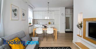 Nadwislanska Apartment - Warsaw - Living room
