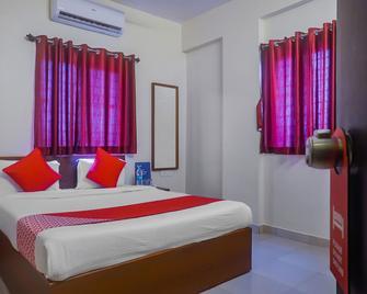 Oyo 11551 Hotel Pioneer 2 - Hinjewadi - Bedroom