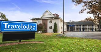 Travelodge by Wyndham Traverse City MI - Traverse City