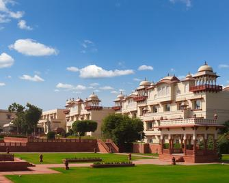 Jai Mahal Palace - Džajpur - Outdoors view