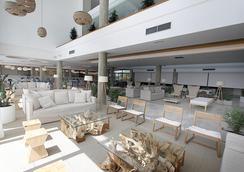 Hotel Rei del Mediterrani Palace - Khu nghỉ mát Can Picafort - Hành lang