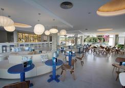 Hotel Rei del Mediterrani Palace - Khu nghỉ mát Can Picafort - Bar