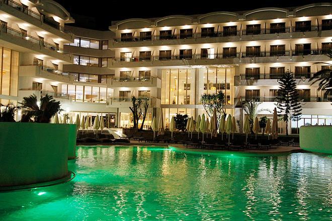 地中海之王宮殿酒店 - 只招待成人入住 - 阿庫迪亞 - 坎皮卡福特 - 游泳池