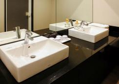 이비스 스타일스 오사카 난바 호텔 - 오사카 - 욕실
