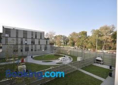 Indigo Bundek - Zagreb - Edificio