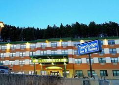 Travelodge Inn & Suites by Wyndham Deadwood - Deadwood - Building