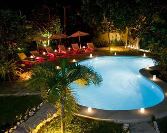 Na Balam Beach Hotel & Villas - Isla Mujeres - Pool