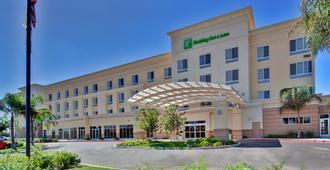 Holiday Inn Hotel & Suites Bakersfield - בייקרספילד - בניין