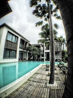 Paragon Inn - Bangkok - Pool