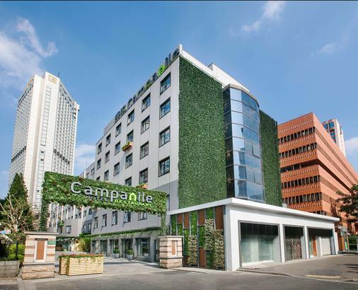 Campanile Shanghai Jing An Hotel - Shanghai - Building