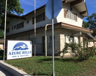 Azure Hills Inn & Suites - Fredericksburg