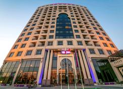 Mercure Grand Hotel Seef - All Suites - Manama - Byggnad