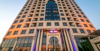 Mercure Grand Hotel Seef - All Suites - Manama - Gebäude