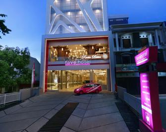 Favehotel Ahmad Yani Banjarmasin - Banjarmasin - Building