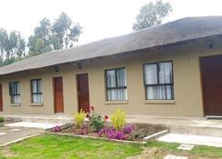 Old Hoek Guest House - Mohale's Hoek - Gebäude