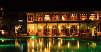 Villa Di Mantova Resort Hotel - Águas de Lindóia - Piscina