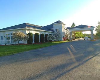 American Inn And Suites Houghton Lake - Houghton Lake - Building
