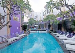 Zen Rooms Kuta Central Park 1 - Kuta - Pool