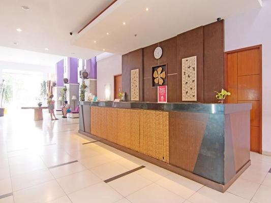 Zen Rooms Kuta Central Park 1 - Kuta - Front desk
