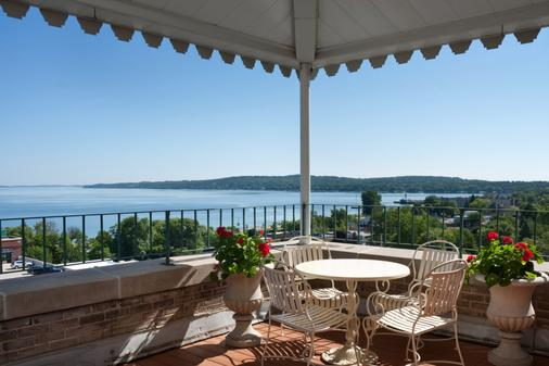 Park Place Hotel - Traverse City - Balcony