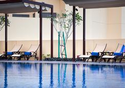 JA Ocean View Hotel - Dubai - Pool